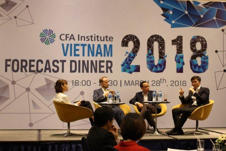 Panelists at Vietnam Forecast Dinner 2018 - Dự báo Kinh tế Tài chính 2018